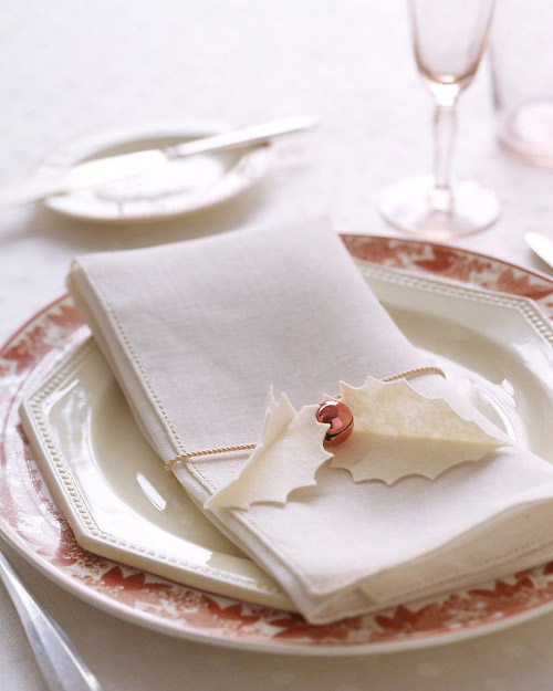 Holly Napkin Holder